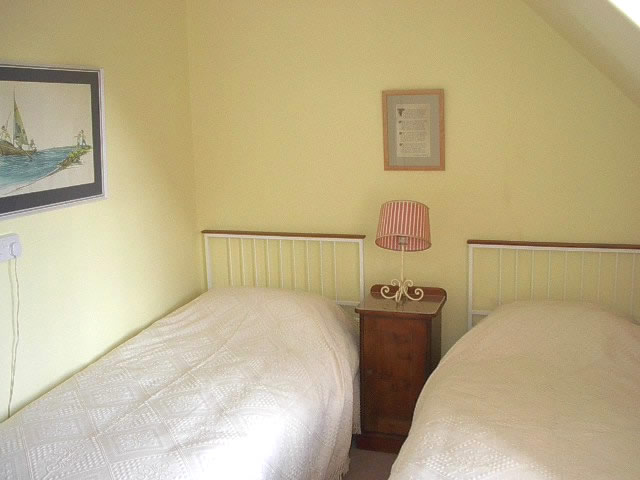 Upstairs twin room at Craignay